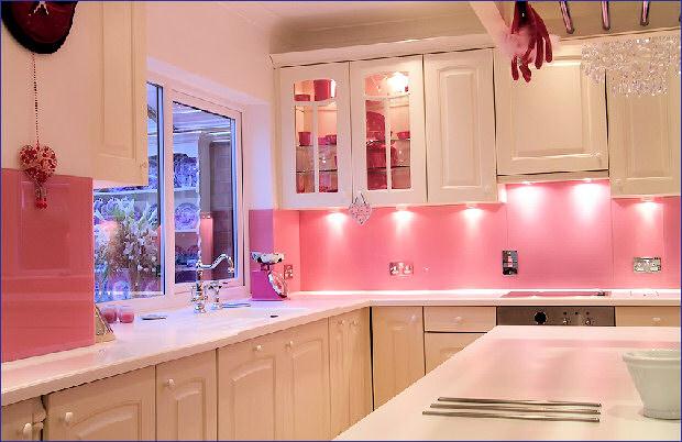 Bright pink splashbacks