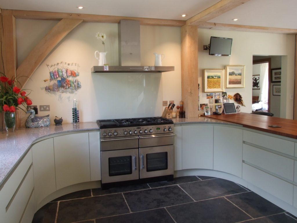 Painted handleless kitchen farrow and ball 39 bone for Painted kitchen designs