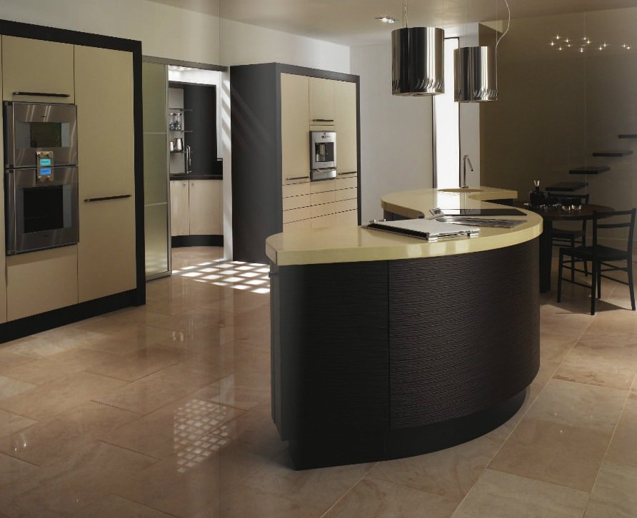 Curved kitchens cutting edge design salisbury kitchens for Curved kitchen units uk