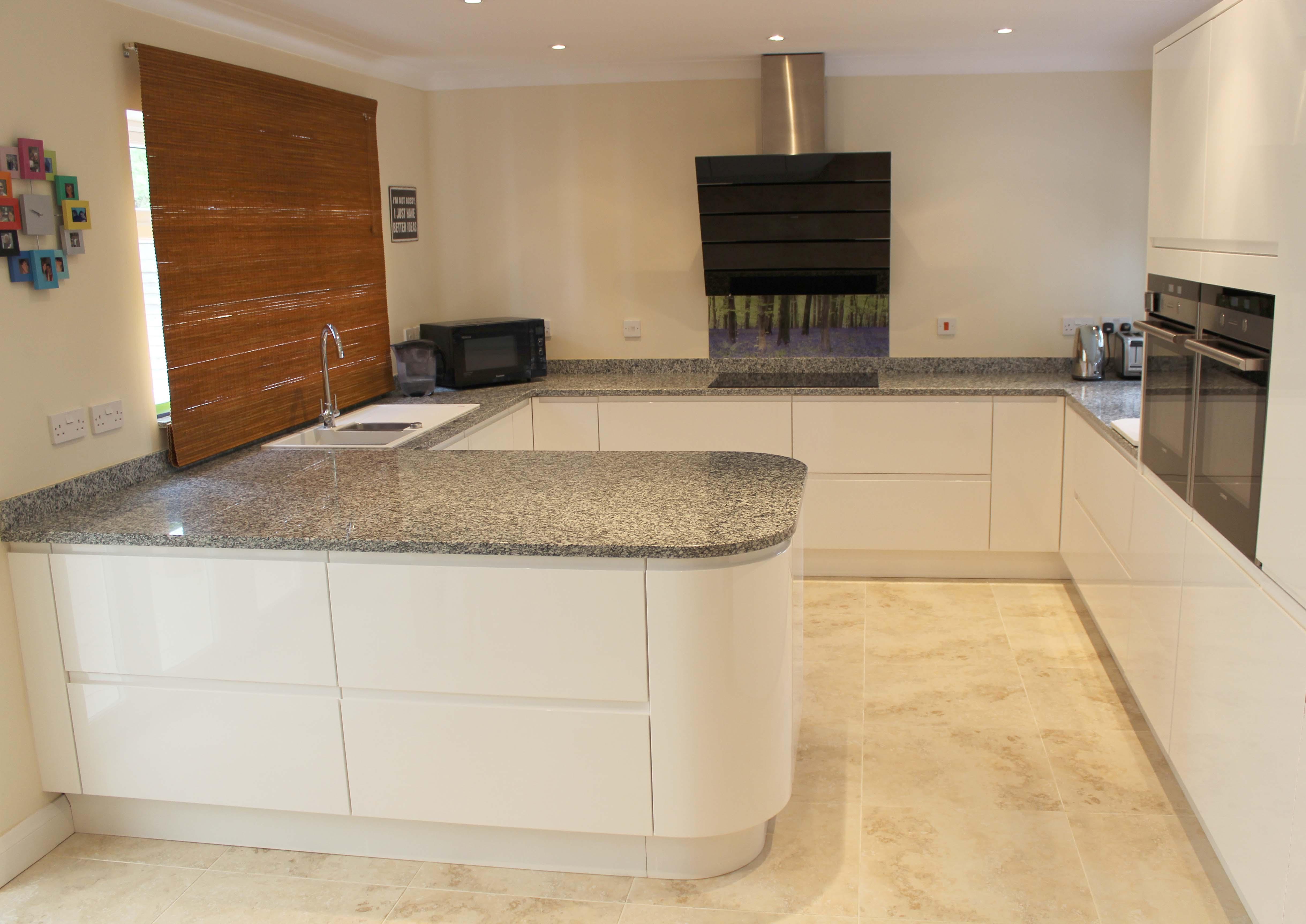 Airo Gloss White kitchen